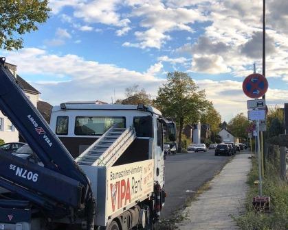 Anlieferung Halteverbotsschild Düsseldorf / Erkrath