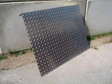 Bordsteinrampe Stahl Duett Riffel  11 cm hoch 1 m breit