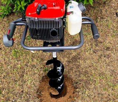Erdbohrgerät und Brunnenbohrgerät